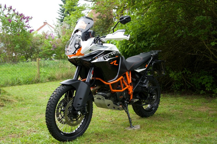 013-KTM Adventure 1190 R - Links von vorne